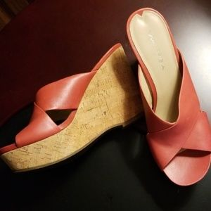 Via Spiga Elle Wedge Slides 8.5 M